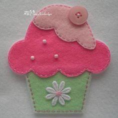Handmade Cupcake Felt Applique Big Double by TRPcreativedesign01, $4.00                                                                                                                                                      Más