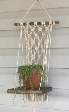 Macrame Wall Hanging Diy, Diy Hanging Shelves, Macrame Plant Holder, Plant Shelves, Plant Holders, Indoor Plant Hangers, Hanging Plants, Bedroom Decor For Teen Girls, Boho Decor