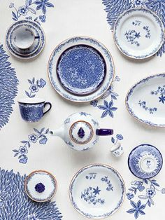 Ostindia Floris crockery, Caroline Slotte for Rörstrand, Blue And White China, Love Blue, Blue China, Delft, Chinoiserie, Ceramic Pottery, Ceramic Art, Ceramic Decor, White Porcelain