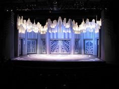 Thoroughly Modern Millie by Tien Cao, via Behance -- LOVE this set! So simple yet so alive. Stage Set Design, Set Design Theatre, Church Stage Design, Salas Lounge, Bühnen Design, Bugsy Malone, Theatre Stage, Design Research, Wedding Stage
