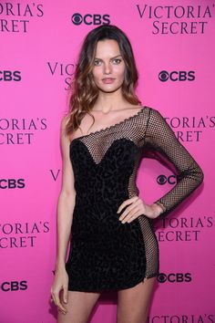 Barbara Fialho Photos - Model Barbara Fialho attends as Victoria's Secret Angels gather for an intimate viewing party of the 2017 Victoria's Secret Fashion Show at Spring Studios on November 28, 2017 in New York City. - Victoria's Secret Angels Gather to Watch the 2017 Victoria's Secret Fashion Show