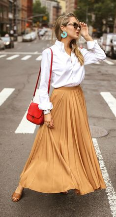 A timeless trend is back for fall // Chestnut crepe de chine pleated maxi skirt,. - A timeless trend is back for fall // Chestnut crepe de chine pleated maxi skirt, white button-down, - Midi Skirt Outfit Casual, Maxi Skirt Outfits, Dress Skirt, Orange Skirt Outfit, Modest Outfits, Summer Outfits, Work Fashion, Modest Fashion, Fashion Outfits