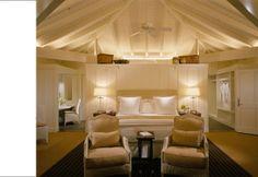 Beautiful bedroom. Beautiful lighting too.
