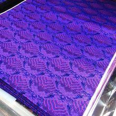 #china #hangzhou #silk #brocade #fabric #cheongsm #wave #cushion #deep #purple #dark #violet(在 jiankang Rd155# chenxiang fabric store)