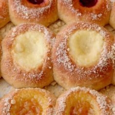 Cottage Cheese Kolache Filling We love this sweet, creamy filling for our Texas kolaches recipe. Slovak Recipes, Czech Recipes, Russian Recipes, Apricot Kolache Recipe, Kolache Recipe Czech, Polish Kolache Recipe, Strudel, Cookie Recipes, Gourmet