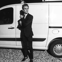 ~He looks so hot in a suit~ Joe And Zoe Sugg, Joe Sugg, Buttercream Squad, Sugg Life, British Youtubers, Zoella, Serious Relationship, Some Girls, My Crush