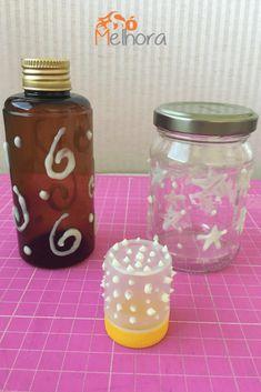 Passo a passo rápido e fácil de uma luminária de tinta fosforescente para todo mundo poder ter em casa seus próprios potes que brilham no escuro!  Voss Bottle, Water Bottle, Mason Jars, Diys, Crafts, Blog, Summer Activities, Small Gifts, Glow In Dark