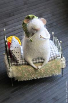Купить Спать пора... - белый, мышонок, спящий малыш, спящий, мышь, сонный, сон, кроватка