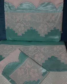 """""""#suyesili #piketakimi #dantelli #dantel #piko #mint #beyaz #elorgusu #handmade #homemade #kadifepike #aplike #kanevice #ceyizimincicileri #ceyizlik…"""""""