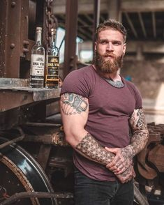 A dream of my life is to fall in love in a tall and inked and bearded and ginger man just like that I pray to God to make my dream come true 🙏🙏🙏 Ginger Men, Ginger Beard, Great Beards, Awesome Beards, Beard Styles For Men, Hair And Beard Styles, Moustache, Bad Boys, Beard Lover