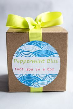 Customizable Peppermint Bliss Foot Spa in a box favors perfect for weddings, bridal showers and spa parties at https://www.etsy.com/listing/225482781/happee-body-customizable-peppermint
