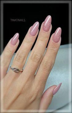 Pin by Lisa Firle on Nageldesign - Nail Art - Nagellack - Nail Polish - Nailart - Nails in 2020 Fancy Nails, Trendy Nails, Pink Nails, Cute Nails, Sparkly Acrylic Nails, Pink Wedding Nails, Red Manicure, Almond Acrylic Nails, Almond Shape Nails