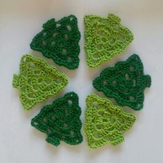 Christmas tree - granny triangle - pattern in Dutch