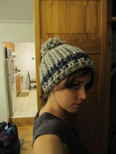 Pom Pom Beret Crochet Hat, 8mm