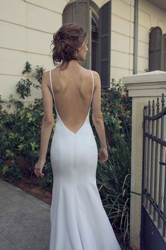 Wedding dresses simple - Strapless chiffon dress a white high slit gown with hips and back – Wedding dresses simple Sleek Wedding Dress, Wedding Dress Trends, Dream Wedding Dresses, Bridal Dresses, Bride Dress Simple, Wedding Gowns, Prom Dresses, Event Dresses, Mermaid Dresses