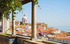 Nos Coups De Coeur À Lisbonne   via Trotteurs Addict   10/10/2016 Vous êtes à la recherche d'une destination ensoleillée pour un week-end ou plus pas très loin de chez vous qui allie dépaysement, douceur de vivre,charme ancien et modernité, gastronomie. Bref, ne cherchez plus, Lisbonne est le compromis parfait ! Nous vous présentons à travers cet article nos différents coups de coeur  #Portugal