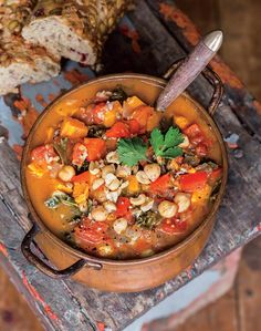 'Oh She Glows' Soul-Soothing African Peanut Stew - Abagail Dawkins - African Food Spicy Recipes, Soup Recipes, Vegetarian Recipes, Dinner Recipes, Cooking Recipes, Healthy Recipes, Vegetarian Stew, Vegan Soul Food Recipes, Peanut Recipes