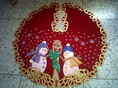 Pie de arbol Christmas Crafts, Merry Christmas, Christmas Decorations, Xmas, Christmas Ornaments, Holiday Decor, Cake Decorating Piping, Wilton Cakes, Felt Crafts