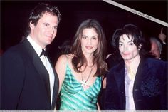 MJ and famous top model Cindy Crawford at the Angel Ball G & P Foundation Gala for Cancer Research November 30, 2000 at the Marriott Marquis Hotel in New York City | Curiosities and Facts about Michael Jackson ღ by ⊰@carlamartinsmj⊱