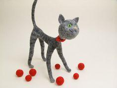 Fantastic felted cat