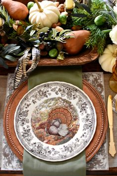 Autumn Elegance Thanksgiving Table Setting with Queen's Majestic turkey dishes and copper chargers Check out this stunning French country Thanksgiving tablescape with autumn elegance. Find great ideas for simple Thanksgiving-to-Christmas decor. Thanksgiving Table Settings, Fall Table Settings, Thanksgiving Tablescapes, Diy Thanksgiving, Holiday Tables, Thanksgiving Decorations, Table Decorations, Christmas Decorations, Setting Table