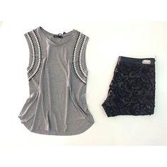 ♡  T-shirt Regata de Malha w/ Bordado e Termocolante na cava  ♡  Shorts em Couro Eco w / Recorte a Laser Guipir   #euqueroo #fashionistando #carolcamilamodas #musthave #lookcarolcamilamodas #lookfashion #venhaseapaixonar