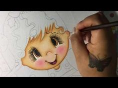 Pintura en tela en este video te enseño a pintar su manita y parte del vestido ... no olvides suscribirte a mi canal y compartir mis videos