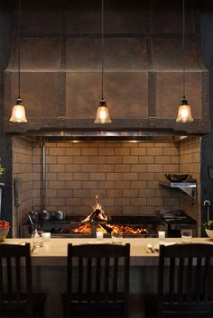 New Restaurant Cassia Opens in Santa Monica - David le Roux - New Restaurant Cassia Opens in Santa Monica The wood-burning oven. Grill Restaurant, Open Kitchen Restaurant, Rustic Restaurant, Restaurant Concept, Restaurant Interior Design, Wood Burning Oven, Wood Fired Oven, Bbq Shop, Commercial Kitchen Design
