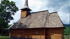 Biserica de lemn Sf. Dumitru din Răzoare O călătorie virtuală prin Maramureş - galerie foto. Vezi mai multe poze pe www.ghiduri-turistice.info Sursa : http://ro.wikipedia.org/wiki/Fișier:Biserica_de_lemn_Sf.Dumitru_Răzoare_(29).JPG