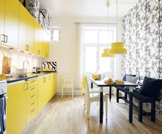 cozinha amarela Yellow Interior, Modern Interior, Home Interior Design, Kitchen Sets, Kitchen Colors, Grey Kitchens, Cool Kitchens, Yellow Accent Walls, Small Cupboard
