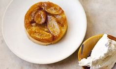 banana shortcake upside down tarte tatin with vanilla bean cream - nigel slater Banana Recipes, Tart Recipes, Cooking Recipes, Healthy Recipes, Nigel Slater, Shortcake Recipe, Desert Recipes, Recipe Collection, Recipe Using