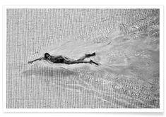Wall art | Poster | Breaking The Net - C.S. Tjandra als Premium Poster | JUNIQE | swimming black and white swim