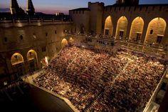 Festival de théâtre d'Avignon, du 25 au 25 juillet 2012.  Le rendez-vous estival du monde du théâtre. Créé par Jean Vilar en 1947, le Festival d'Avignon est l'un des plus anciens et des plus célèbres festivals de théâtre au monde.