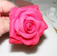 rose tutorial, great step by step instructions.
