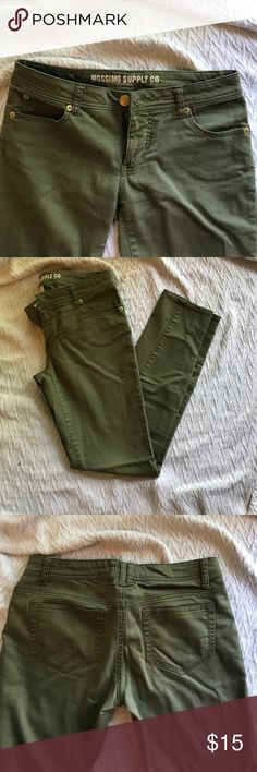 Olive skinny jeans Mossimo Supply Co jean size 7. Skinny midrise. Soft and comfortable material. In great condition. Front and back pockets. Mossimo Supply Co. Jeans Skinny