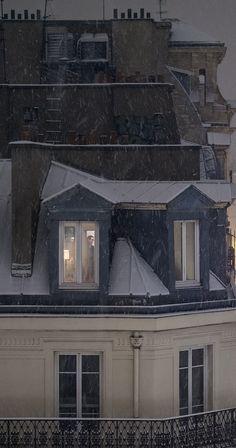 Looking through Paris windows....
