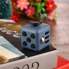 Fidget Cube Toy Anti Stress Reliever Puzzle Magic Cube 3.3cm Big Desk Finger Squeeze Spin Toy FidgetCube with Original Box 1PC
