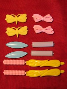 vintage Goody barrettes? I have pictures of me wearing these as a kid and they still sell them and now my daughter wears them!