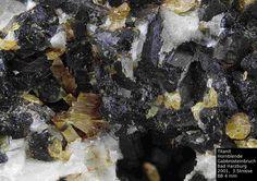 Titanit, Hornblende-----------------------Harzer Gabbro-Steinbruch der Norddeutsche Naturstein GmbH, Bad Harzburg, Niedersachsen, Germany, Copyright © H. Stoya
