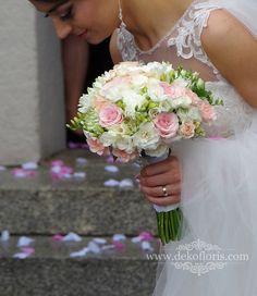 100 Wedding Bouquet For Brides Ideas 100 Wedding Bouquet For Brides IdeasWeddings are the perfect place to express your personality. And make it complete with beautiful wedding Silk Wedding Bouquets, Flower Bouquet Wedding, Dusty Rose Wedding, Wedding Day Inspiration, Arte Floral, Bridal Flowers, Wedding Designs, Wedding Planning, Dream Wedding
