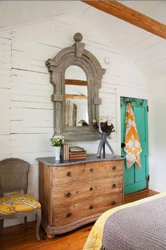 natural wood dresser with zinc top & an amazing mirror. beautiful old door too House of Turquoise: Flik by Design House Of Turquoise, Turquoise Door, Lake Cottage, Cozy Cottage, Cottage Style, Style At Home, Cottage Design, House Design, Natural Wood Dresser