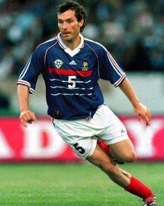 Un cinco ordenado, con gol. Mató a Paraguay en el '98.