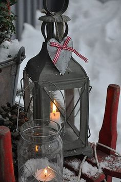 76 Wonderful Scandinavian Christmas Decorating Ideas: 76 Inspiring Scandinavian Christmas Decorating With Wooden Glass Candle Box Christmas Lanterns, Noel Christmas, Country Christmas, All Things Christmas, Winter Christmas, Christmas Crafts, Christmas Decorations, Outdoor Christmas, Winter Porch