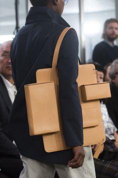 Afterhomework at Paris Fashion Week Spring 2019 - Livingly Source by katdehaenofficial bags Handbags On Sale, Luxury Handbags, Designer Handbags, Fashion Bags, Paris Fashion, Fashion Spring, Fashion Fashion, Fashion Backpack, Simple Bags