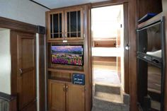 """2014 Used Heartland Sundance XLT 245RL Fifth Wheel in Oklahoma OK.Recreational Vehicle, rv, 2014 Heartland Sundance XLT 245RL, Hurry to Bob Hurley RV, Oklahoma's largest volume sales RV dealership in Tulsa, to see this 2014 Heartland Sundance XLT 245RL. This rear living fifth unit has a lot to offer - and it's lightweight!Dry weight 6,532 lbs.Features include: Patio awningBooth dinetteMonitor panelShower15,000 BTU roof air conditioningCorrect Track align systemCounter top extension32"""" LED…"""