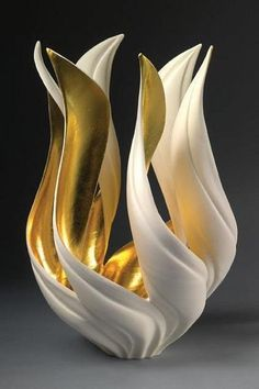 Fabulous decorative vases by Jennifer McCurdy look like spectacular sculptures