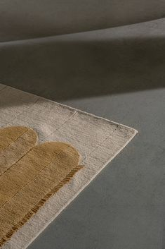 Volta, 140x200cm - Wool and linen rug, hand-knotted in Nepal. Available on request  > info@ateliervetra.com Hand Knotted Rugs, Nepal, Wool
