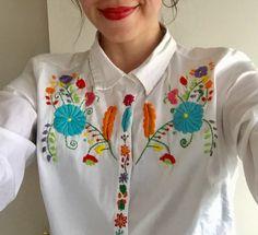 Mexican embroidery. Mexican colors. Hermoso bordado mexicano.