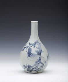 스마트K Chinese Figurines, Antique Pottery, Korean Art, Chinese Ceramics, Art Object, White Porcelain, Objects, Auction, Blue And White