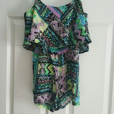 Cute forever 21 romper Cover up/summer colorful Worn a few times forever 21 romper. Could be a swimsuit cover up or a cute summer outfit. Size small. So cute on Forever 21 Swim Coverups